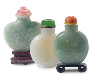 THREE CHINESE JADEITE SNUFF BO