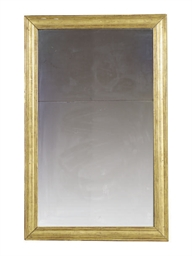 A FRENCH GILTWOOD MIRROR,