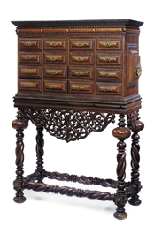 A PORTUGUESE ROSEWOOD CABINET-