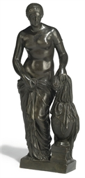 A BRONZE FIGURE OF A CLASSICAL