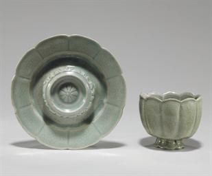 An Incised Celadon Cup