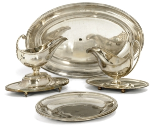 A FRENCH SILVER SAUCE BOAT ON