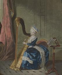 Une jeune femme jouant de la h