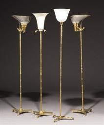 QUATRE LAMPADAIRES DES ANNEES