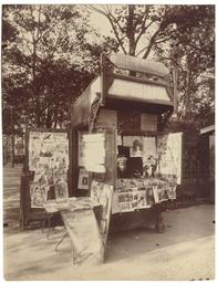 Kiosque à journaux, square du