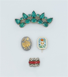 A group of antique and later jewellery