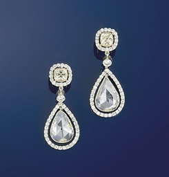 A pair of diamond earpendants