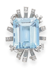 A RETRO AQUAMARINE AND DIAMOND