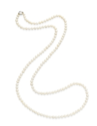 A PEARL AND DIAMOND NECKLACE
