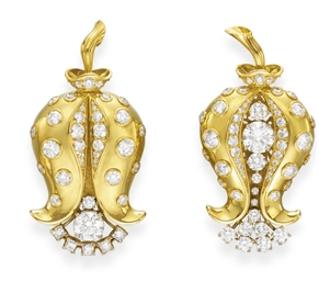A PAIR OF DIAMOND AND GOLD TUL