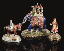 A GROUP OF THREE GOLD ENAMELLED CHESS PIECES, LUCKNOW, 19TH