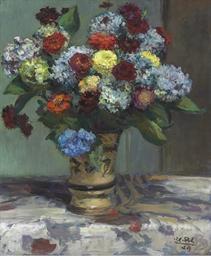 Bouquet de fleurs aux hortensi