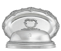 A GEORGE IV SILVER MEAT DISH AND COVER