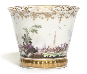 A MEISSEN SMALL FLARED BEAKER