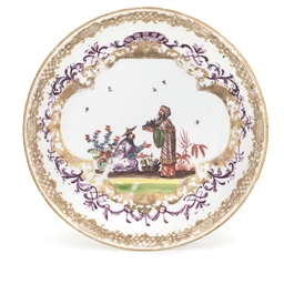 A MEISSEN CHINOISERIE SAUCER
