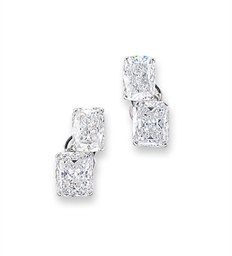 A PAIR OF DIAMOND TWO-STONE EA