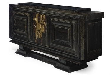 AN EBONISED OAK SIDEBOARD, CIR