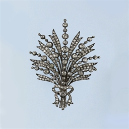 AN ANTIQUE DIAMOND AIGRETTE