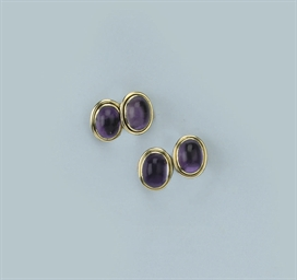 A PAIR OF AMETHYST CUFF LINKS