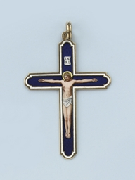 AN ANTIQUE ENAMEL CROSS PENDAN