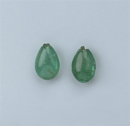 A PAIR OF UNMOUNTED EMERALD DR