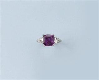 A FINE PINK SAPPHIRE RING
