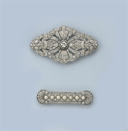 TWO BELLE EPOQUE DIAMOND BROOC
