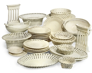 A COLLECTION OF CREAMWARE TABL