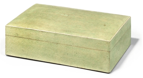 A SHAGREEN VENEERED CIGARETTE