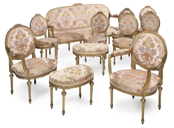 A GILTWOOD SUITE