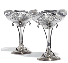 A PAIR OF ART NOUVEAU SILVER S