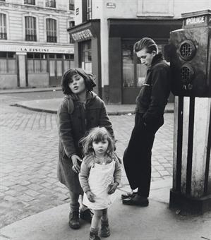Les Enfants de la Place Hébert, 1957