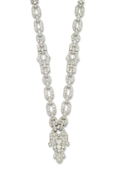 AN ELEGANT ART DECO DIAMOND NE