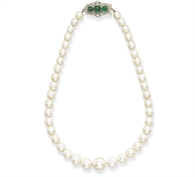 A FINE NATURAL PEARL, EMERALD