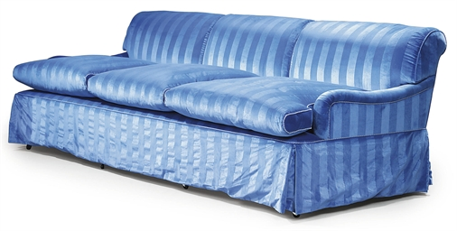 A LARGE MODERN UPHOLSTERED BLU
