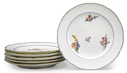 SIX SEVRES SCALLOPED PLATES (A