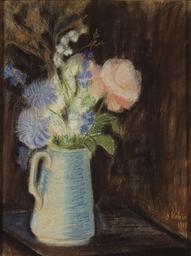 Bouquet de fleurs dans un broc