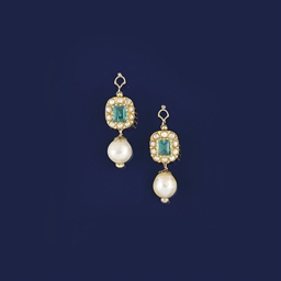 A pair of cultured pearl and e