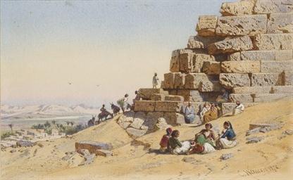 Des orientaux devant une pyram