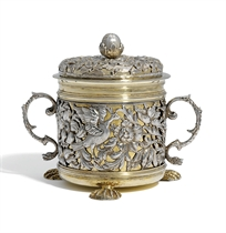 AN IMPORTANT CHARLES II SILVER AND SILVER-GILT PORRINGER AND COVER
