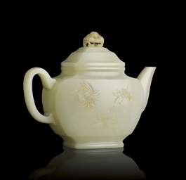 AN EXQUISITE WHITE JADE TEAPOT