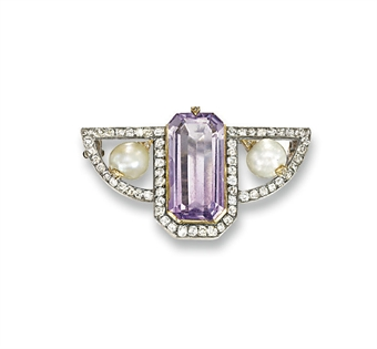 A RUSSIAN AMETHYST, PEARL AND DIAMOND BROOCH, BY FABERGE