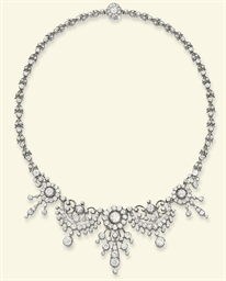 A LATE VICTORIAN DIAMOND NECKL