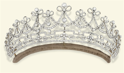 A BELLE EPOQUE DIAMOND TIARA