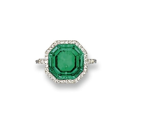 A BELLE EPOQUE EMERALD AND DIA