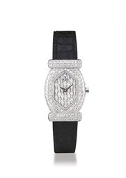 THE ROYAL DIAMOND  WHITE GOLD