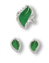 A SET OF JADEITE AND DIAMOND J