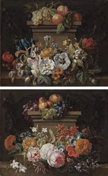 A swag of flowers in a niche,