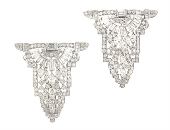 AN ART DECO DIAMOND AND PLATIN