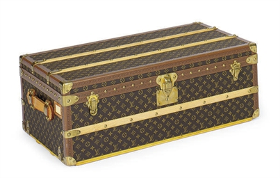 A LOUIS VUITTON TRUNK,